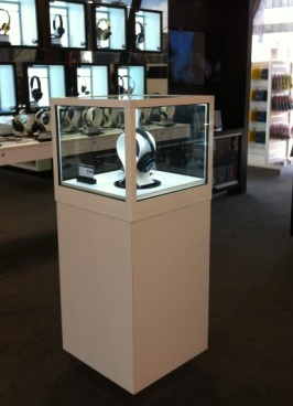 Pedesatl Display Case for Headphones - Myer Melbourne