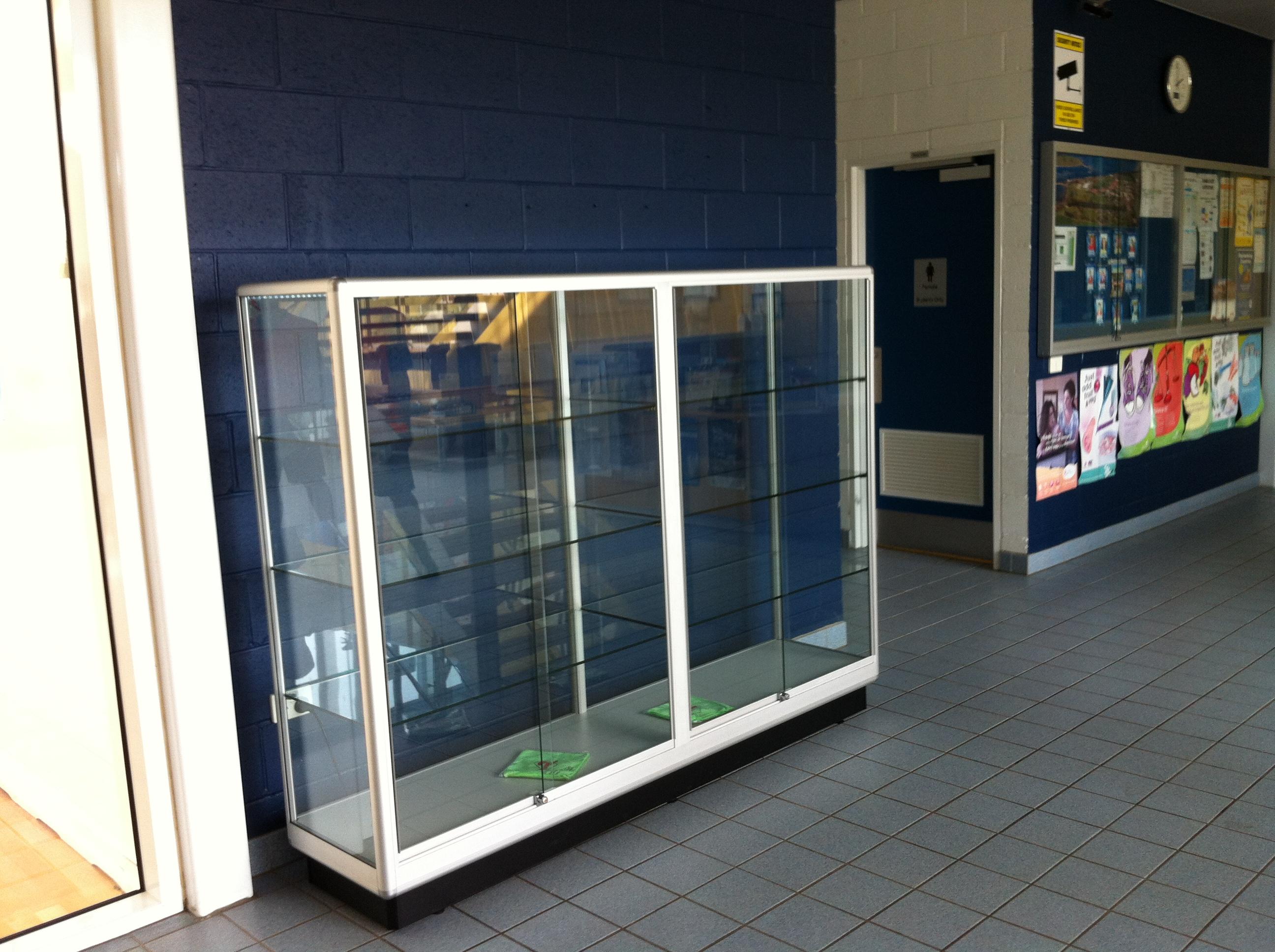 Gallery showfront schools - Custom display cabinets ...